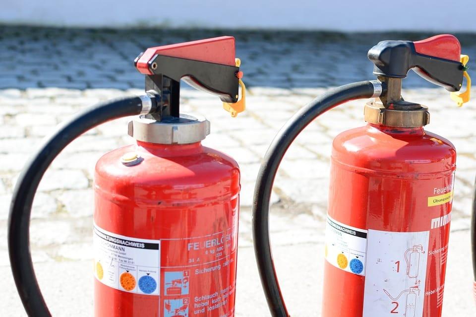 Usposabljanje za gašenje začetnih požarov in izvajanje evakuacije